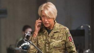 Helen Mirren en Espías desde el cielo, La película de la semana en La 1.