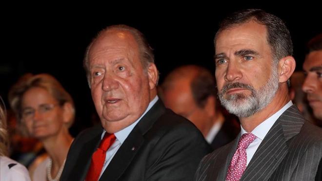 Felip VI renuncia a l'herència de Joan Carles i li treu l'assignació