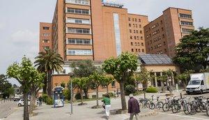 Fachada del hospital Doctor Josep Trueta de Girona.