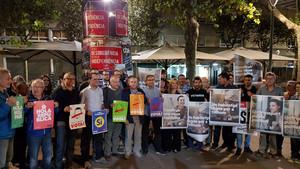 Imagen del inicio de la campaña a favor del Sí en el referéndum del 1-O en la Plaça Santa Anna de Mataró, donde coincidieron los máximos representantes locales de Esquerra, CUP y PDEcat.