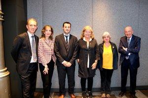 De izquierda a derecha, José Miguel García, Elena Parera, Oscar Lanuza, Ángels Ponsa, Montserrat Chacón y Antoni Quintana, en la presentación de la temporada de Ópera Catalunya.