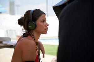 La directora, Lucía Alemany, durante el rodaje.