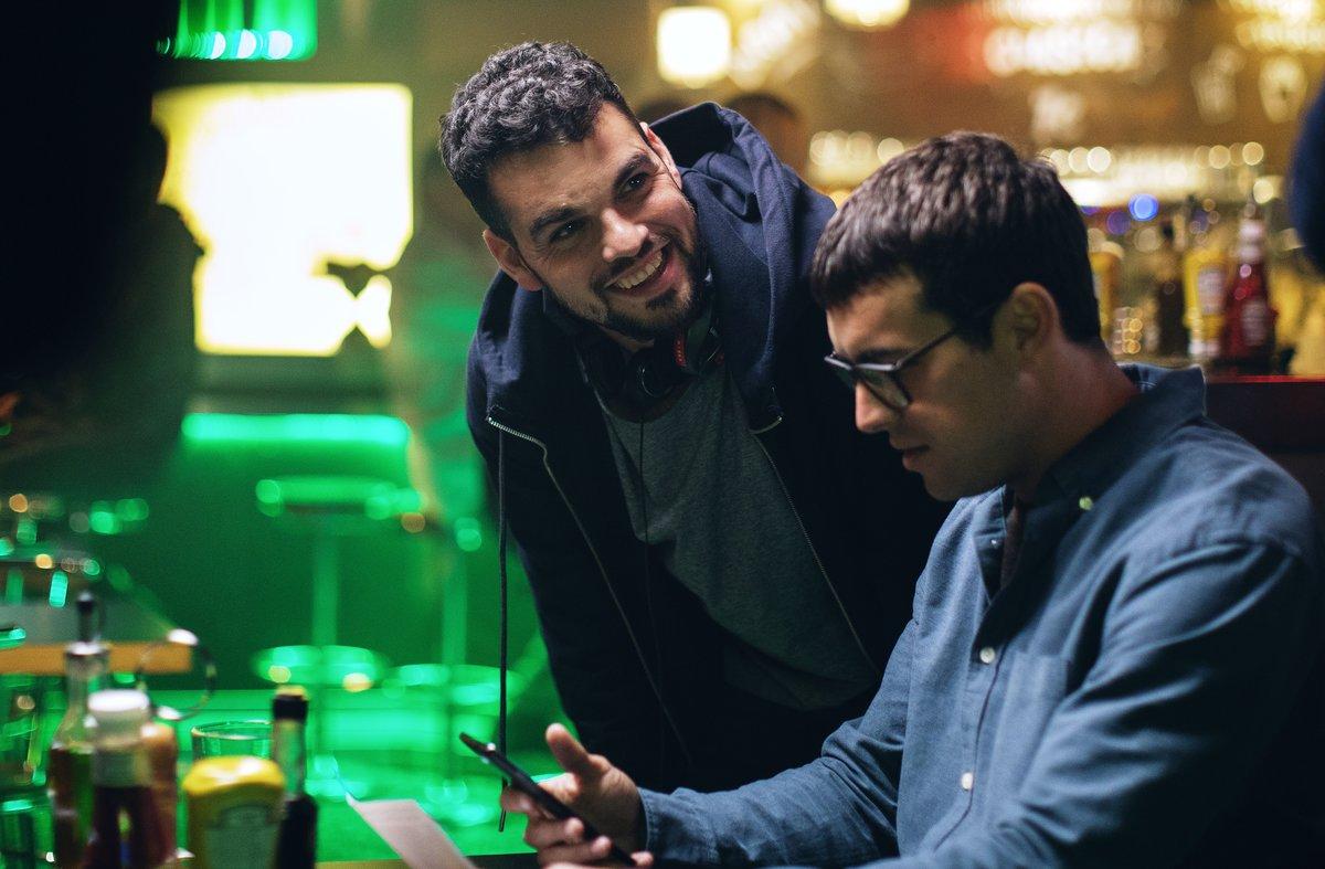 David Victori (izquierda) y Mario Casas, durante una pausa del rodaje.