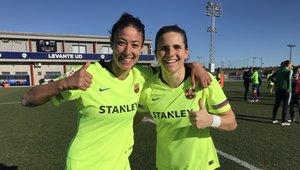 Leila Ouahabi y Andrea Pereira celebran el triunfo ante el Levante.
