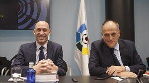 Luis Rubiales y Javier Tebas, máximas responsable del fútbol español, frente a frente.