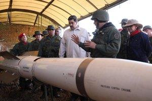 Nicolás Maduro en un ejercicio militar de la Fuerza Aérea venezolana.