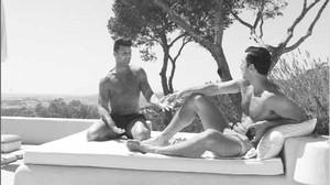 Ricky Martin posa con su novio en Eivissa, el pasado 5 de septiembre.