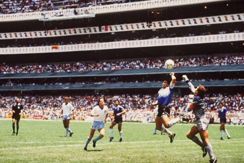 Maradona y la famosa mano de Dios.