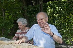 Marta Ferrusola i Jordi Pujol, l'agost passat, a la seva residència d'estiu a Queralbs.