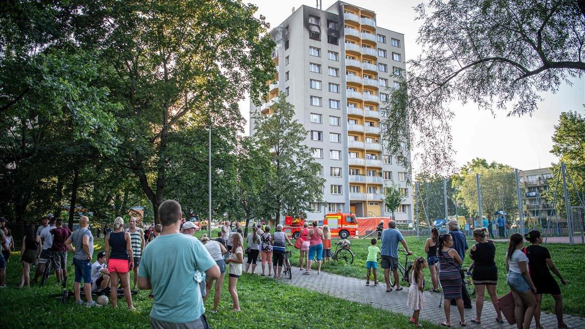 Onze morts en un incendi a la República Txeca