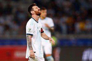 El rostro de la impotencia de Messi tras el sufrido empate ante Paraguay.