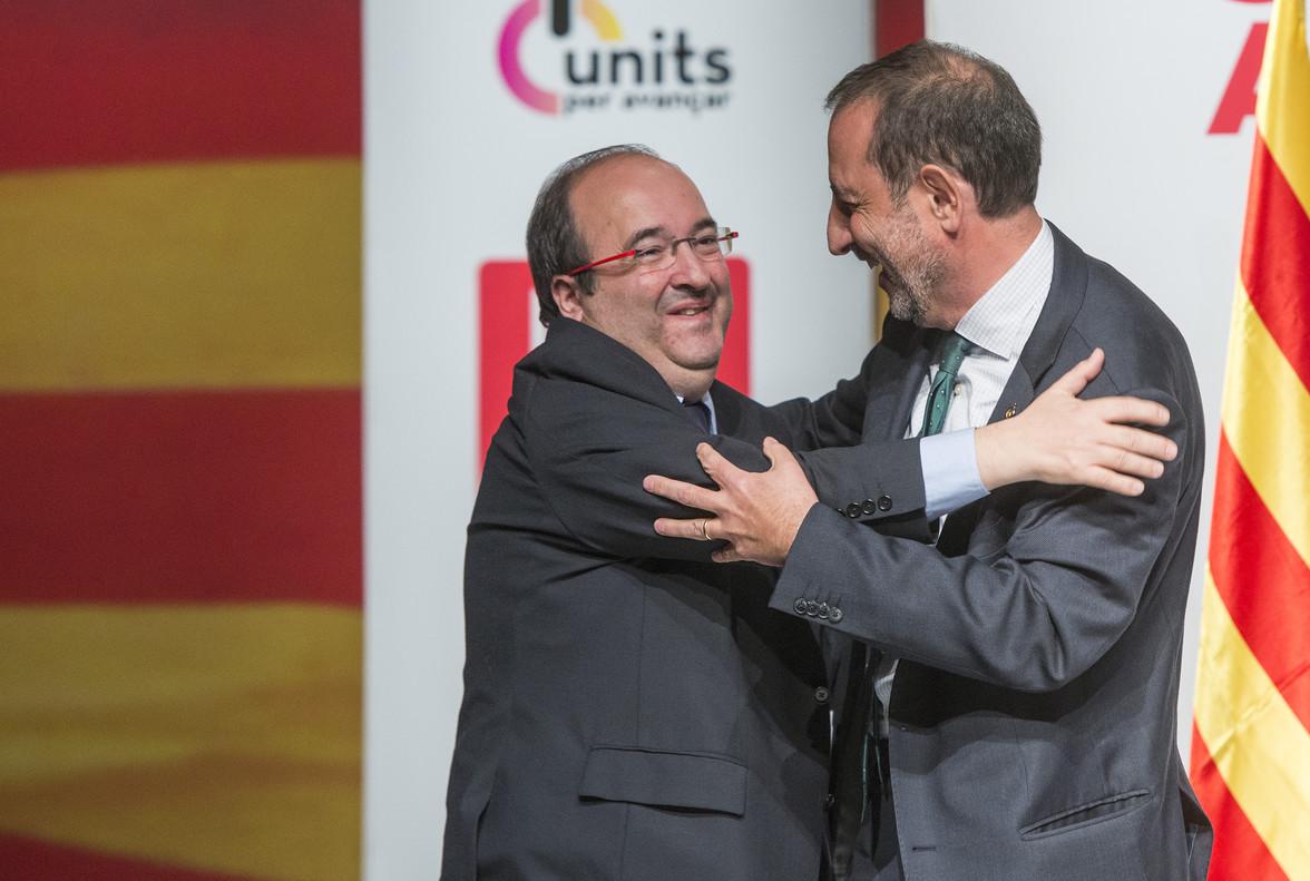 Miquel Iceta y Ramon Espadaler, en un acto de campaña del PSC en LHospitalet de Llobregat.