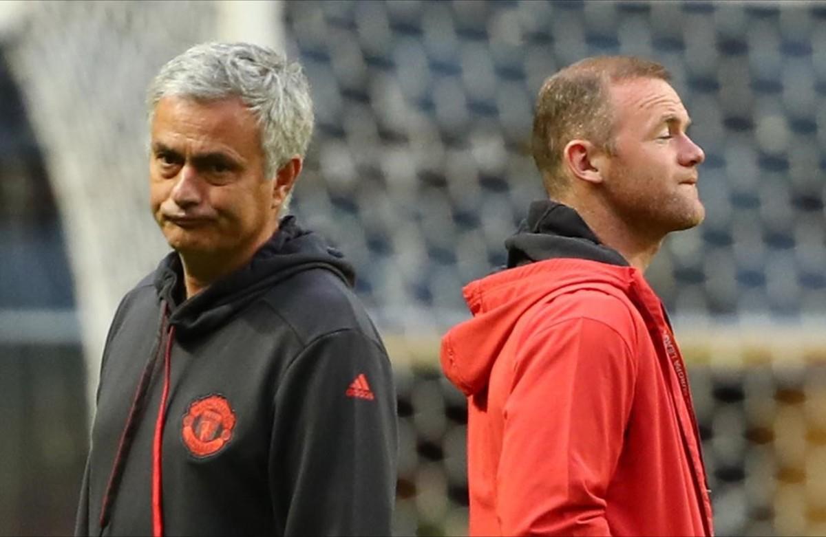 Mourinho y Rooney, durante su visita este martes al Freinds Arena.