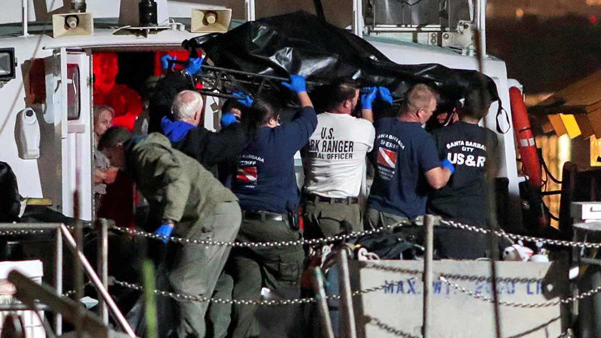 25 muertos en el incendio de un barco en California.