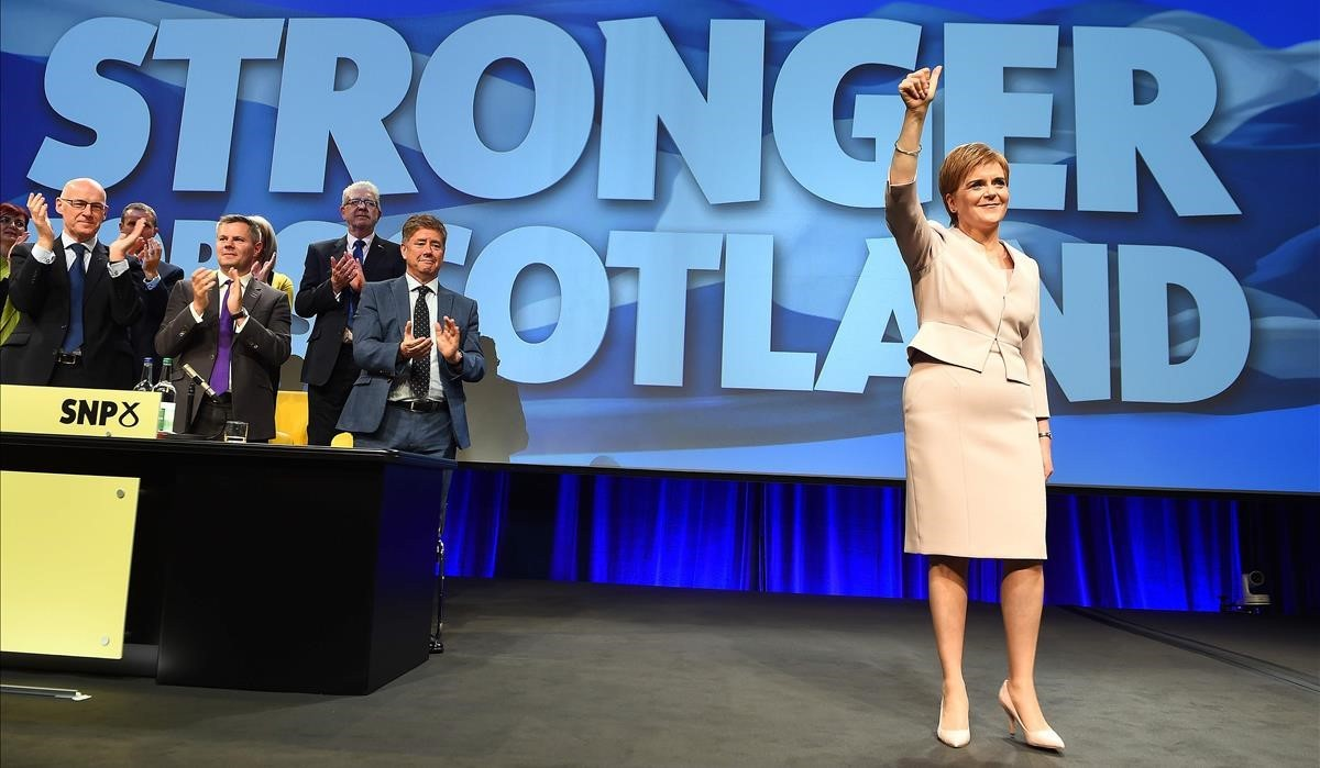 Nicola Sturgeon, en la cumbre del SNP en Aberdeen.