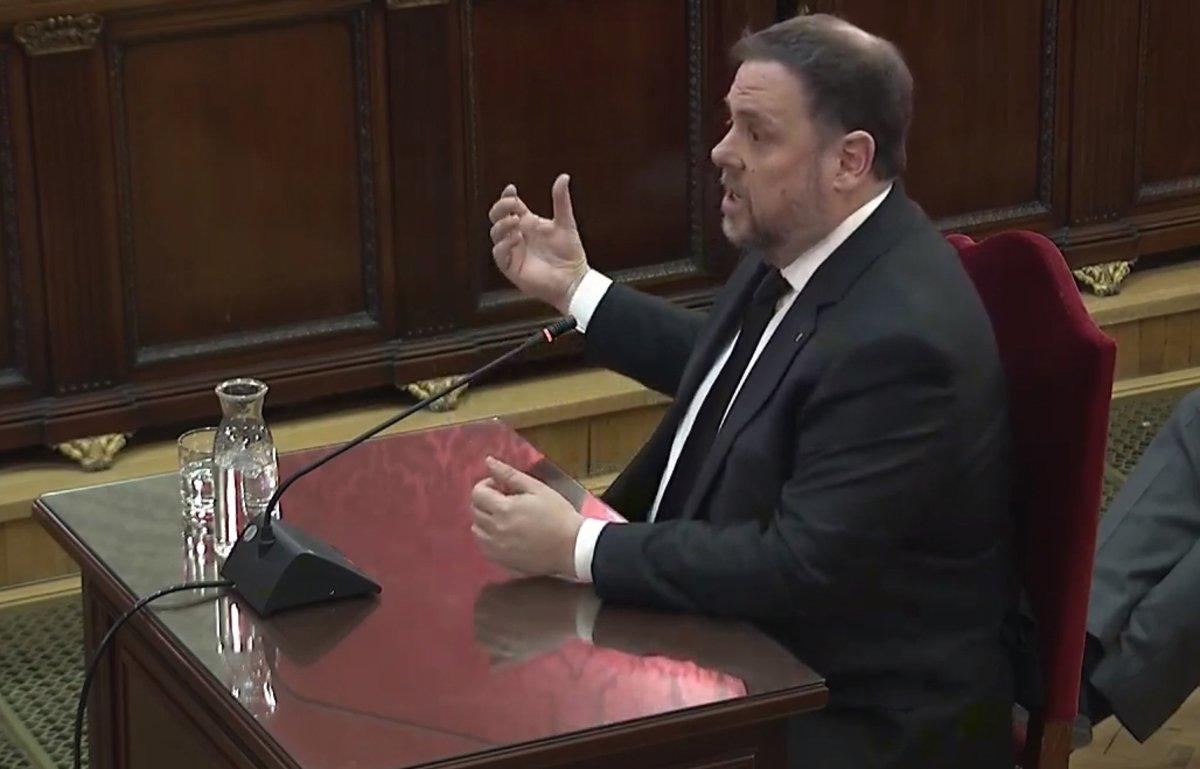 Oriol Junqueras declara durante la tercera jornada del juicio del 'procés'.