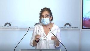 La portavoz de la PIC Elisabet Ramos, en la sala de prensa del Parlament de Catalunya.