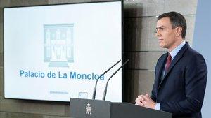 El presidente del Gobierno, Pedro Sánchez, en la comparecencia en la Moncloa, ayer viernes.