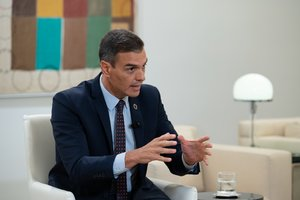 El presidente del Gobierno, Pedro Sánchez, durante su entrevista en 'La Sexta noche' con Iñaki López, este 19 de septiembre en la Moncloa.