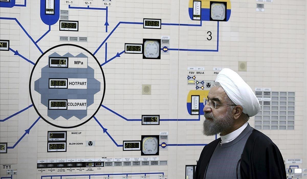 El presidente iraní, Hassan Rouhani, visita la central nuclear de Bushehr a las afueras de Bushehr, en una imagen de archivo.