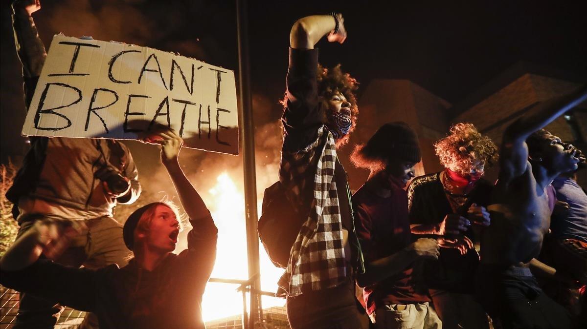 Protestas por la muerte de George Floyd en Minneápolis, este jueves.