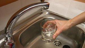 El ple de l'AMB frena l'increment del 4,1% de la tarifa de l'aigua proposada per Aigües de Barcelona