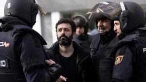 Rodrigo Sorogoyen, en el rodaje de 'Antidisturbios'