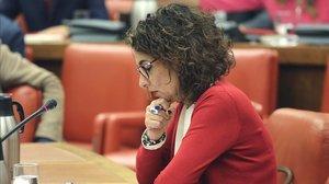 La ministra de Hacienda en funciones, María Jesús Montero, en la Diputación Permanente del Congreso del 22 de octubre.