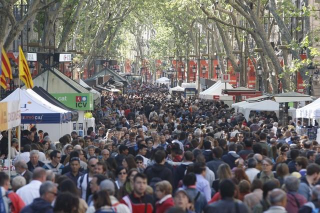 El ambiente en la Rambla de Barcelona a las 10 de la mañana