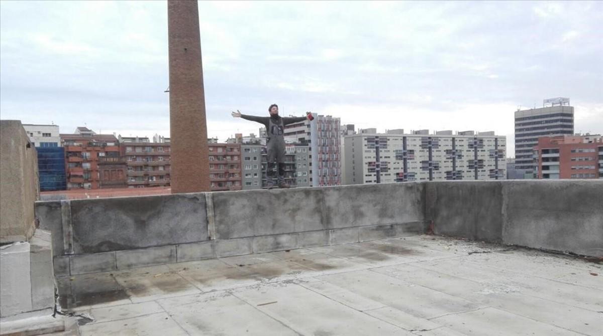 Escenarios de 'SQE': Can Batlló, en Sants, desde donde se tira el secuestrador de Julieta.