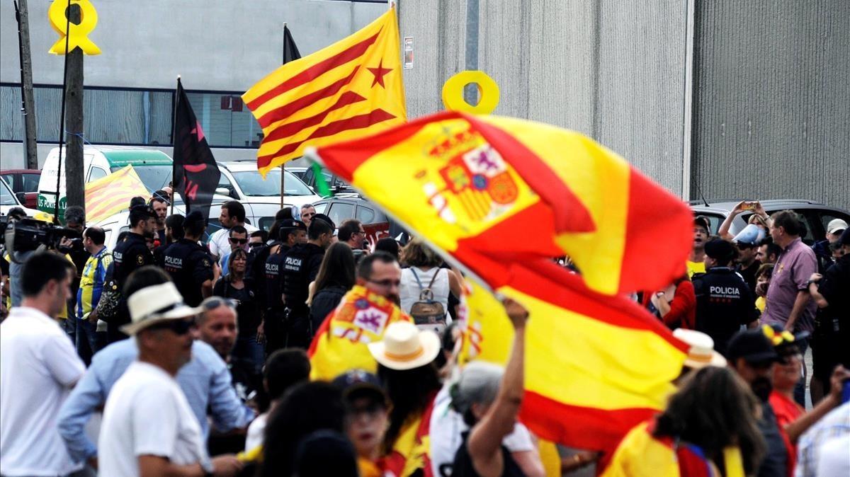 Concentraciones en Vilablareiz, Girona, por la presencia del Rey