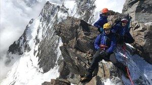 Javier García Pajares y el equipo de 'Quiero tocar el cielo' en los Alpes