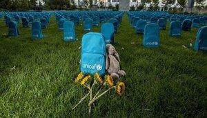 Un cementiri de motxilles a l'ONU pels nens morts en conflicte
