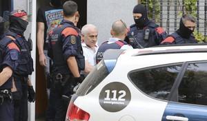 Uno de los dos detenidos por los Mossos en Badalona en la 'operación Nápoles' contra la mafia Armenia.