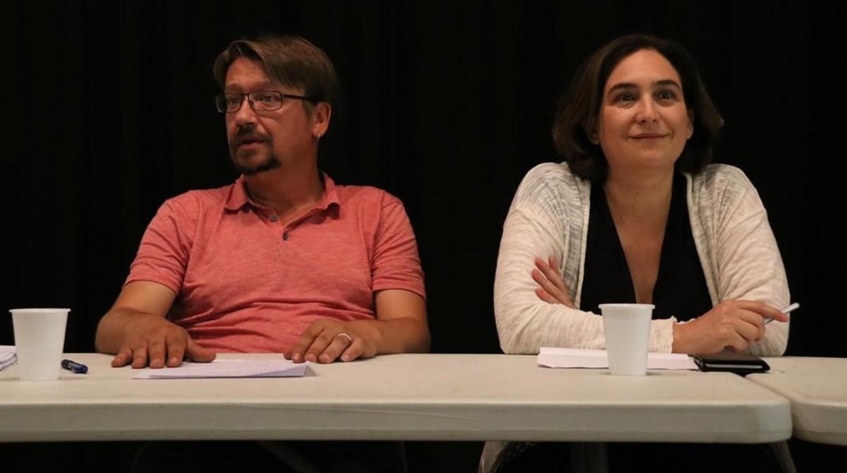 Xavier Domènech y Ada Colau, en la ejecutiva de Catalunya en Comú, el sábado.