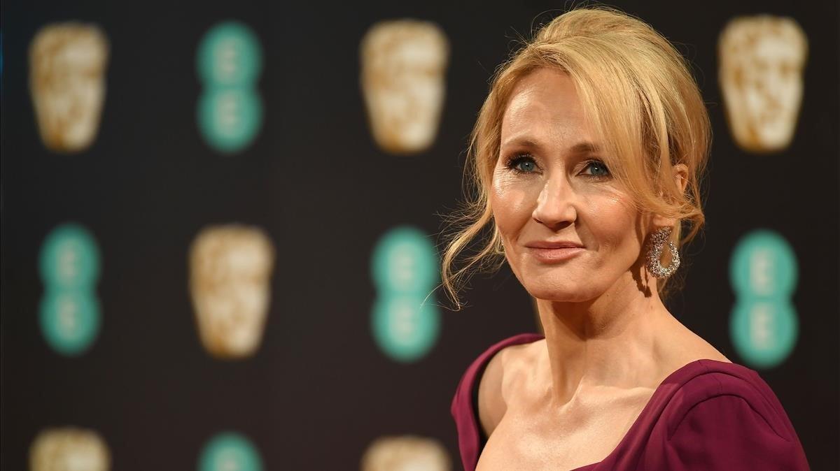 J. K. Rowling, autora de la saga de Harry Potter, superventas del catálogo de Salamandra.