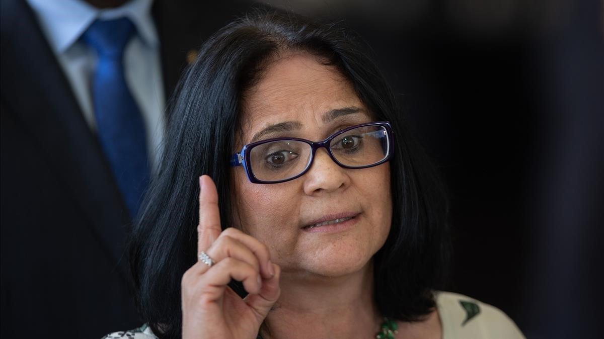 Bolsonaro nomena una pastora evangelista ministra de Drets Humans