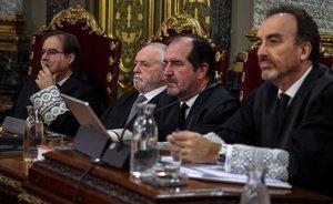 Zoido, Urkullu, Rufián i Colau, entre els testimonis citats aquest dijous en el judici del 'procés'