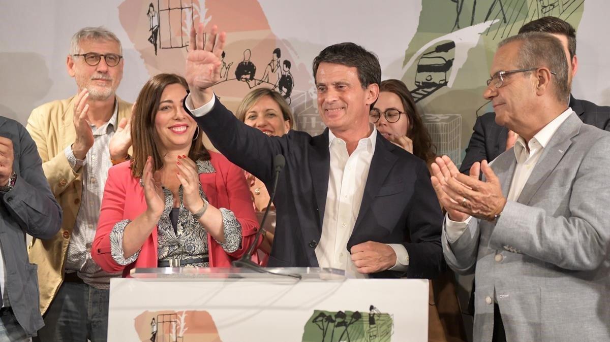 El alcaldable de Barcelona pel Canvi - Cs, Manuel Valls, durante su comparecencia trasconocer los resultados electorales.