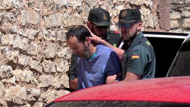 Presó per a dos germans que van matar i van emparedar la seva mare