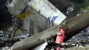Trobada la cama d'una víctima del Yak-42 en un cementiri turc