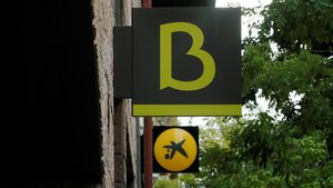 La duplicidad territorial de las oficinas de CaixaBank y Bankia