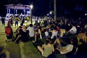 Una sesión de Música als Parcs en el quiosco de la Ciutadella.