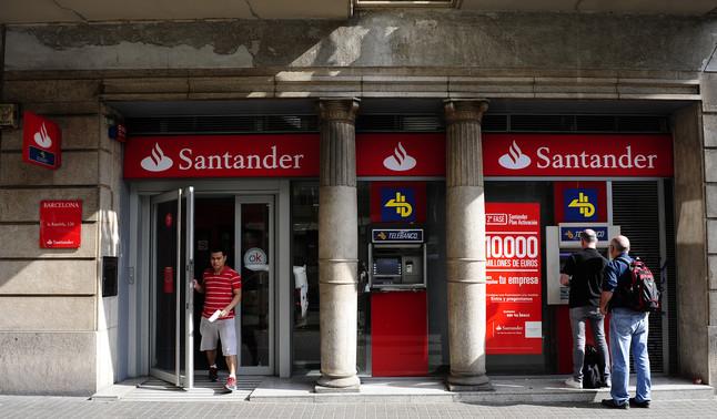 La cnmv multa al santander con 17 millones de euros for Oficina de banco santander