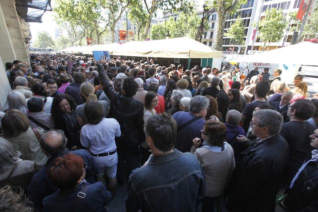 Les firmes de llibres de sant jordi - Casa del libro barcelona passeig de gracia ...
