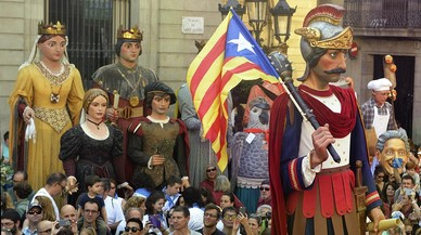 XXIV muestra de gigantes en la plaça Sant Jaume.