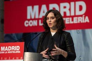 MADRID, 06/11/2020.- La presidenta de la Comunidad de Madrid, Isabel Díaz Ayuso, da un discurso durante el acto Madrid con la hostelería celebrado este viernes en la Real Casa de Correos en Madrid. EFE/Rodrigo Jiménez