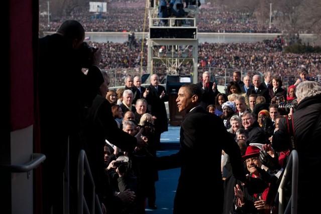 Barack Obama, a punto de subir al podio para tomar posesión como 44º Presidente en el Capitolio en Washington D.C, el 20 de enero del 2009.
