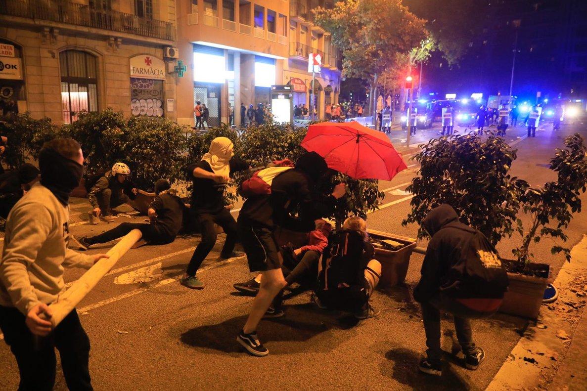 Barricada en la plaza Tetuan.