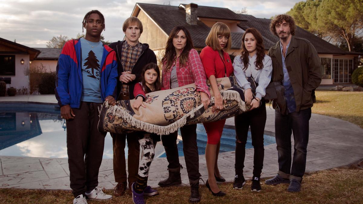 Imagen promocional de la nueva serie de TV-3 Benvinguts a la família.